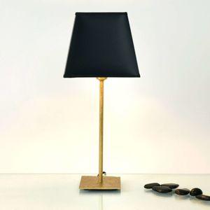 Stolná lampa Mattia s hranatým tienidlom v čiernej